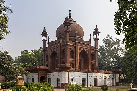John Hessing's Tomb, Red Taj, Agra.jpg