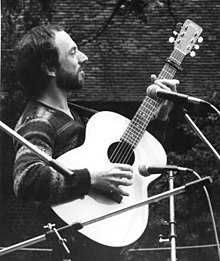 John James (musician) on stage at Greenwich, U.K., 1982.jpg