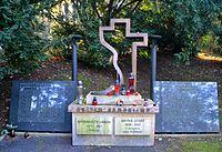 Josef Bryks hrob Motol.JPG
