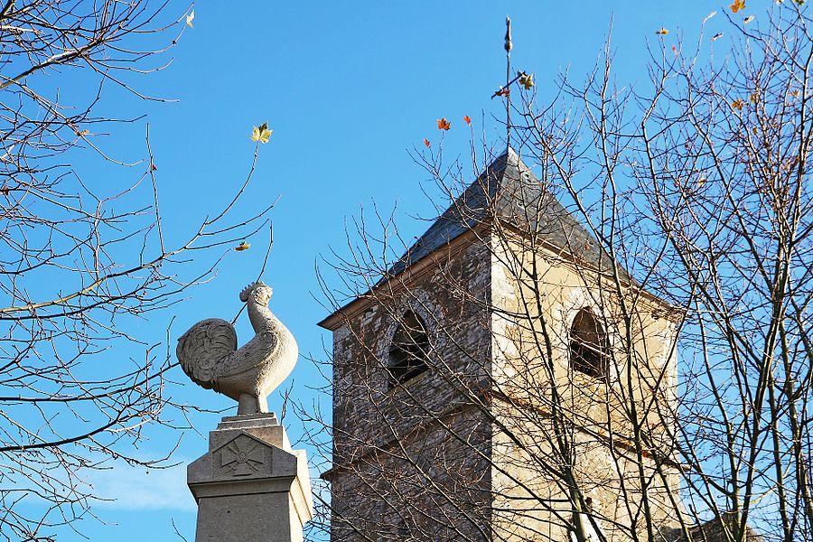 Clocher de l'église et monument aux morts de Joux-la-Ville