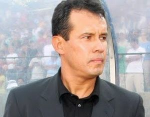 Club Universitario de Deportes - Juan Reynoso won Universitario's twenty-fifth division title in 2009.