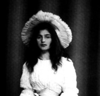 Halo hat - 1894 portrait of Julie Manet showing an aureole-effect hat framing her face