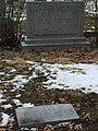 Julius Rosenwald's grave at Rosehill Cemetery, Chicago 2.jpg
