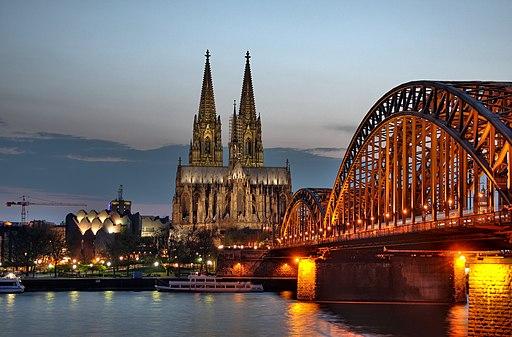 Kölner Dom und Hohenzollernbrücke Abenddämmerung (9706 7 8)
