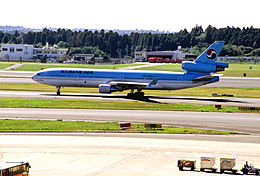 KOREAN AIR MD-11 (HL7373 48409 490) (4083311506).jpg