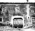 Kalona s ključem (ostanek) pod žlebom, Loka 20 pri Lozicah 1958.jpg