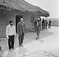 Kamp van Angolese Bevrijdingsbeweging FNLA in Zaire, twee Portugese gevangen in , Bestanddeelnr 926-6268.jpg