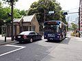Keio Bus Higashi A20924 Shinjuku WE Bus Shinjuku Gyoen Route 2011.jpg