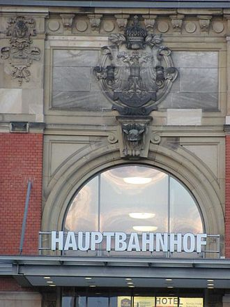 Kiel Hauptbahnhof - Eagle over the eastern entrance of the former imperial waiting rooms in 2010