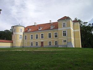 Kiltsi Manor - View from the left