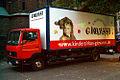Kinderzirkus Giovanni Mercedes-Truck vor der Marktkirche in Hannover.jpg