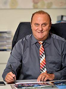 https://upload.wikimedia.org/wikipedia/commons/thumb/f/fa/Klaus_Bouillon(2015).jpg/220px-Klaus_Bouillon(2015).jpg