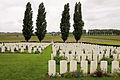 Klein Vierstraat British Cemetery. Overzicht met Cross of Sacrifice.JPG