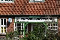 Kleinbahnhof Osterholz-Scharmbeck • Kulturzentrum • Bahnhofsschild.JPG