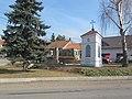 Kobylnice, pomník a kaple.jpg