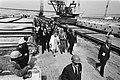 Koningin Juliana bezoekt het werkeiland Neeltje Jans in de Oosterschelde, Bestanddeelnr 930-2618.jpg