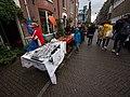 Koningsdag in Amsterdam, Madelievenstraat foto 1.JPG