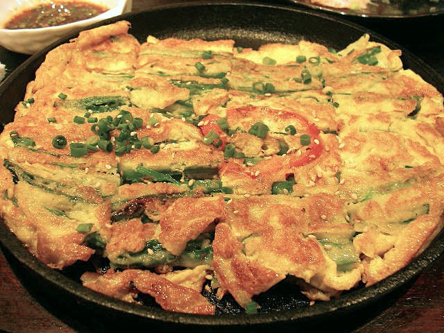 Korean.food-Bindaetteok-01