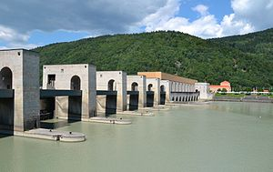 The Jochenstein power plant, on the left the weir