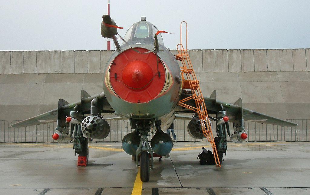 المقاتلات القاذفه Su-17/20/22 السوفييتيه 1024px-Krzesiny_52RB