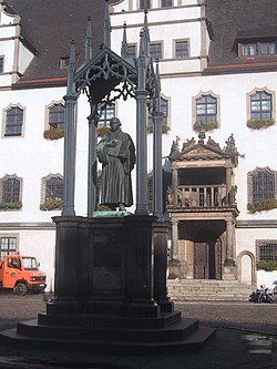 Statue of Martin Luther at the market square
