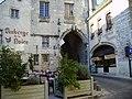 La Charité-sur-Loire Cours du château.jpg