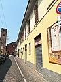 La chiesa vecchia di Baggio e il campanile romanico.jpg