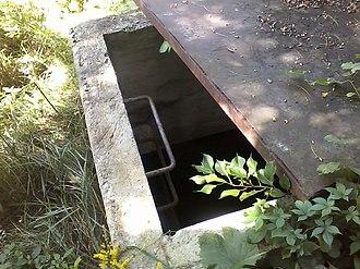Malta Test Station - Image: Ladder going into bunker