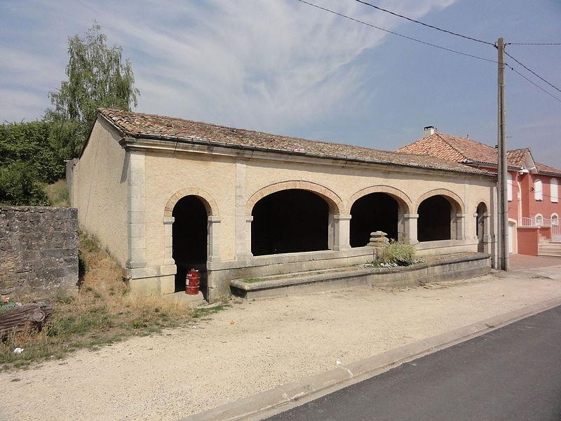 Lagney (Meurthe-et-M.) lavoir extérieur