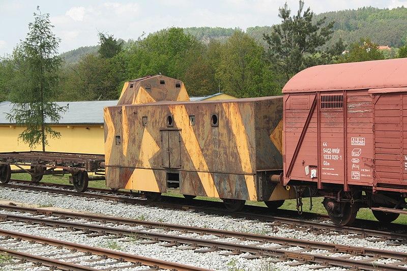 File:Lešany, vojenské muzeum, obrněný vagon.JPG
