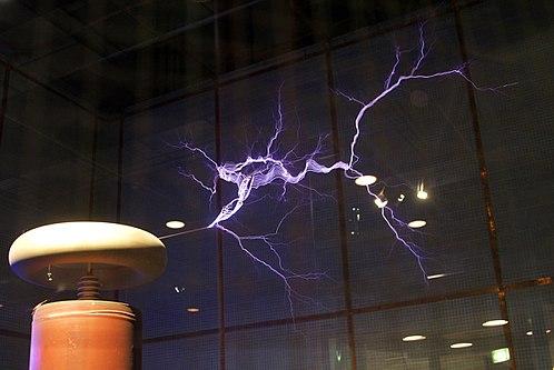 A Tesla coil lightning simulator