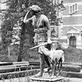 Loden beeld in tuin - Amsterdam - 20011287 - RCE.jpg