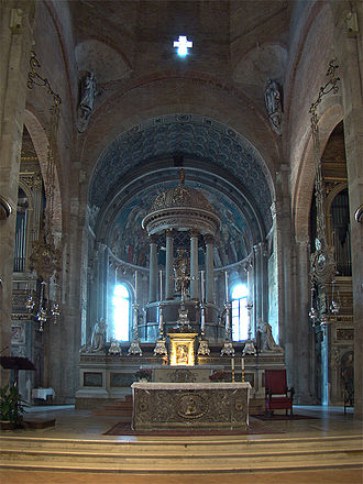 Basilica of San Simpliciano - Main altar.