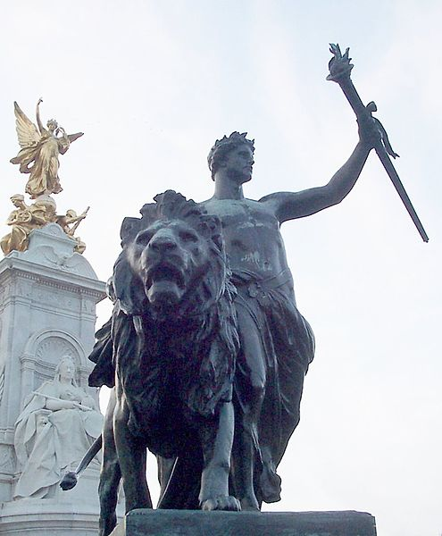 File:London - Victoria Monument 1.JPG