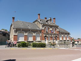 Town hall in Longueval-Barbonval
