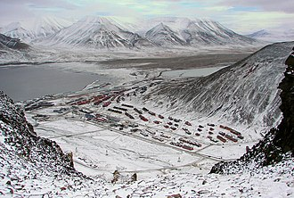 Operation Fritham - Image: Longyearbyen Adventsfjorden And Valley
