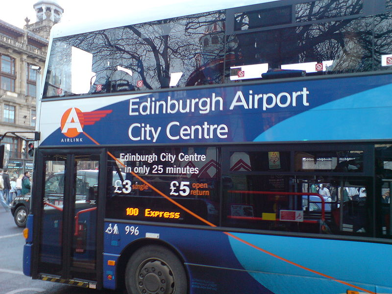 Como ir do centro ao aeroporto de Edimburgo