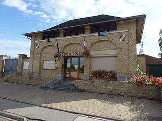 Louches Commune in Hauts-de-France, France