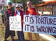 protesta contra la política estadounidense sobre la tortura
