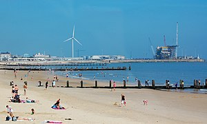 Lowestoft - Image: Lowestoft beach and outer harbour