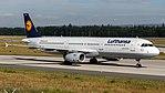 Lufthansa Airbus A321-200 (D-AIDU) at Frankfurt Airport.jpg