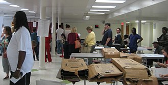 2008 United States presidential election in Louisiana - Voters wait in queue at a polling station in New Orleans