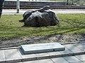 Madona, piemineklis represētajiem pie stacijas. 2000-04-21 - panoramio.jpg