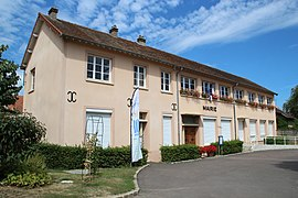 The town hall in Boinville-le-Gaillard