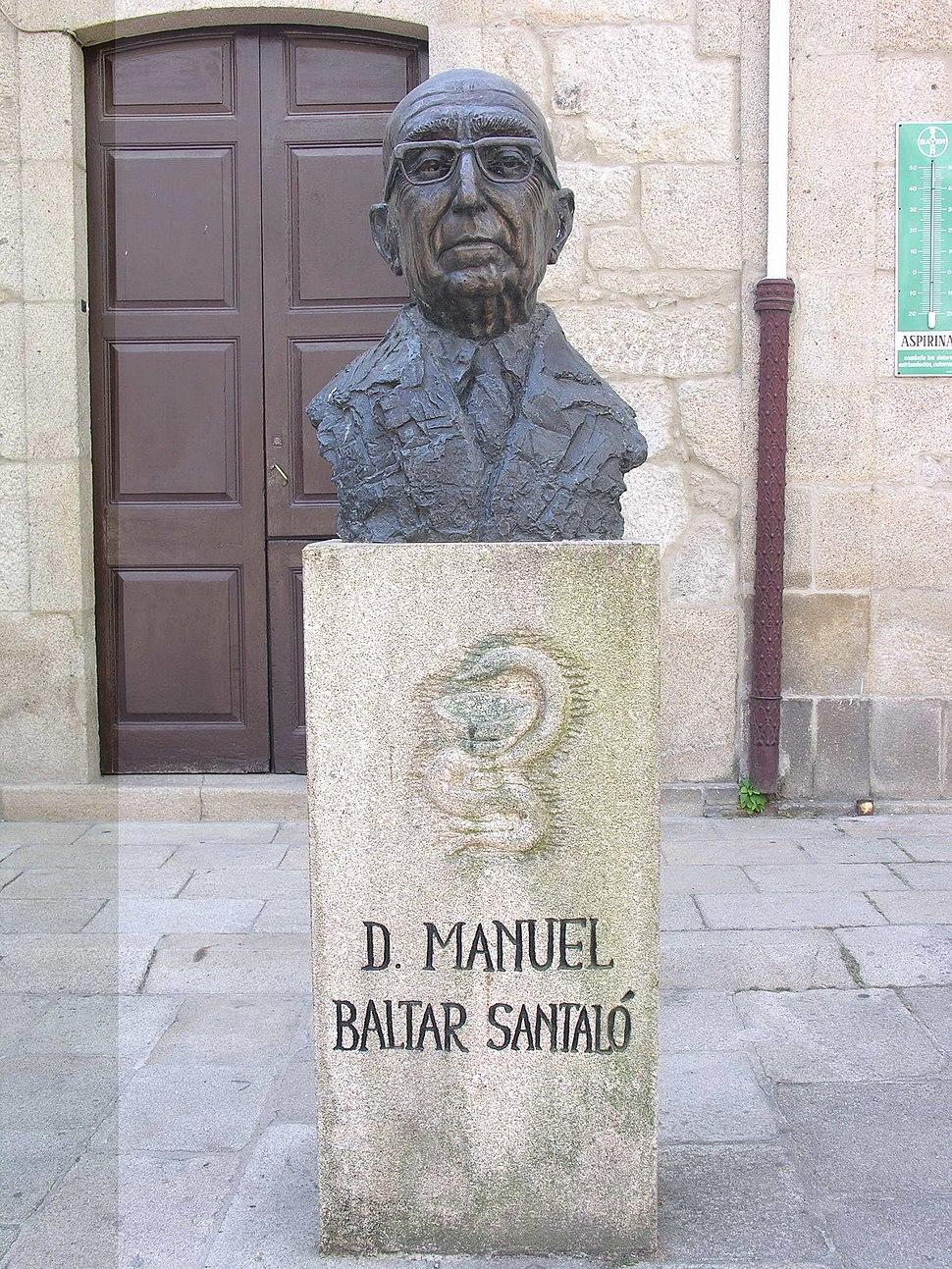 O farmacéutico Manuel Baltar, en Padrón.