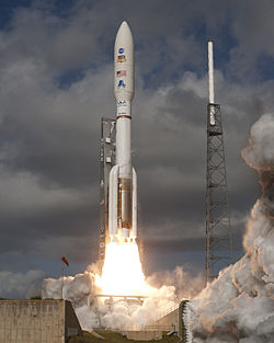 Un Atlas V 541 lanzando o Mars Science Laboratory.