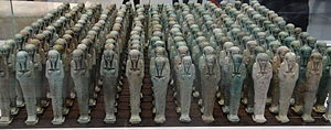 Ushabti - Memphis, 500 BC - Troop of funerary servant figures ushabtis in the name of Neferibreheb, Louvre-Lens