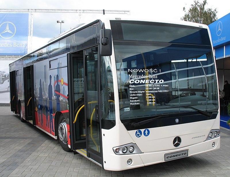 Új Mercedes buszok állnak forgalomba Budapesten