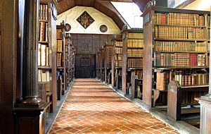 Merton College Library - Image: Merton College library hall