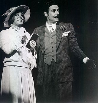 Chicago (musical) - M. O'Haughey as Mary Sunshine and Jerry Orbach as Billy Flynn in the original Broadway cast, 1976
